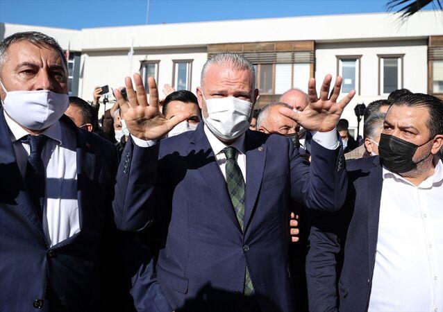 Menemen Belediyesinde yenilenen kura çekimi sonucu Başkan Vekili olarak AK Parti'nin adayı Aydın Pehlivan