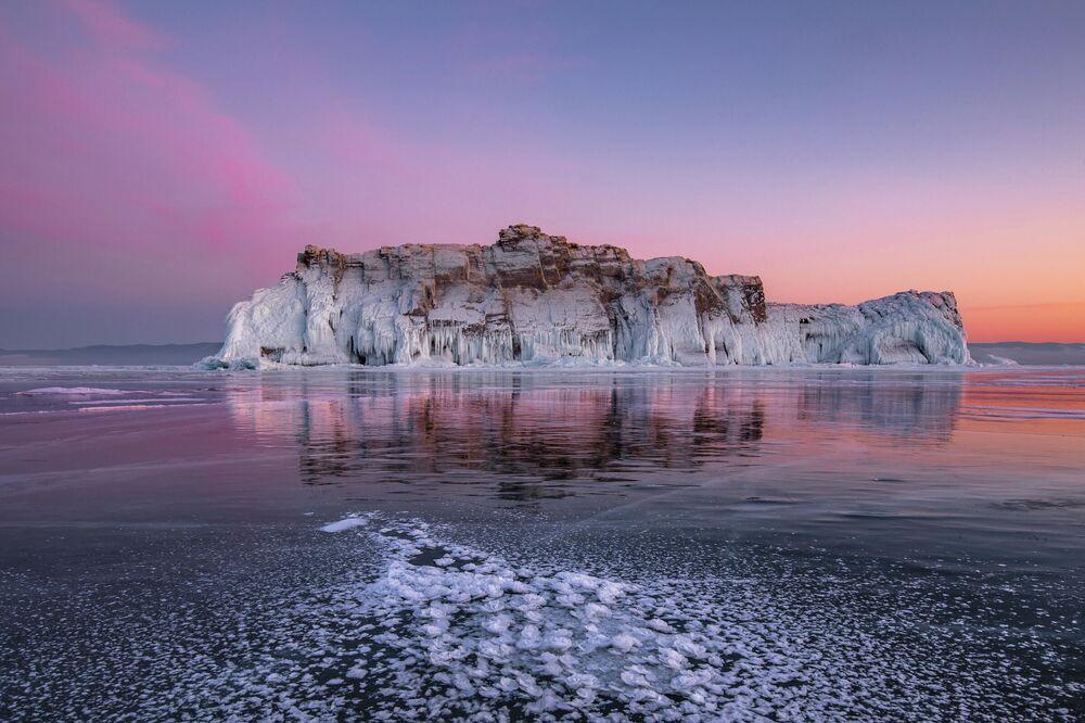 Baykal Gölü'nün Buz Gülü İrkutsk bölgesi