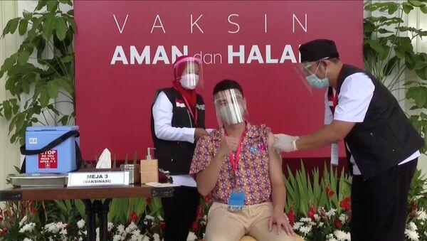 Endonezya'da koronavirüs aşısı - Sputnik Türkiye