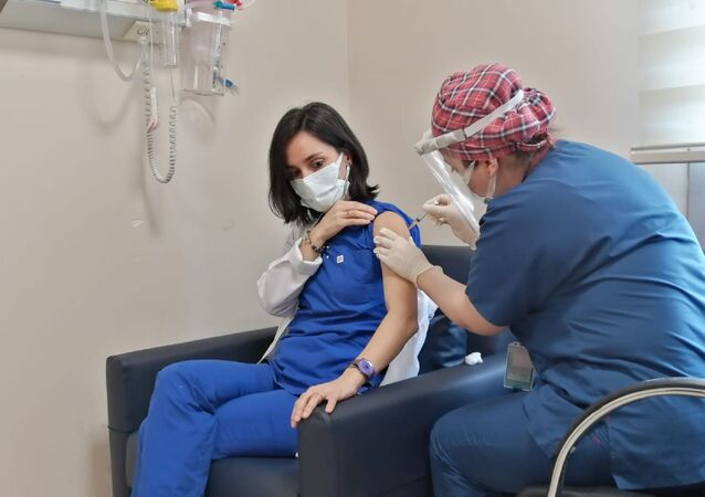 Sağlık çalışanı - aşı - koronavirüs aşısı