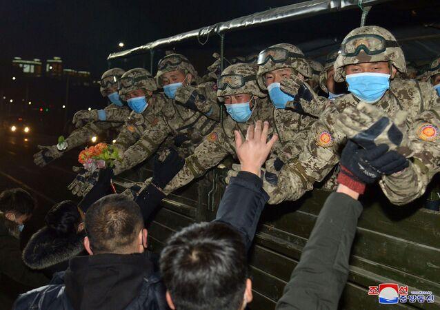 Kuzey Kore'deki askeri geçit