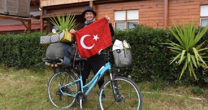 Bugüne kadar otostopla ve bisikletle 40 bin kilometre yol alan Hirohisa Tajima, Türkiye'de şu ana kadar 1400 kilometre yol yaptı.