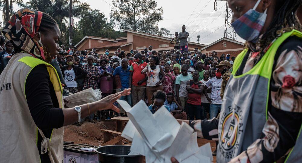 Uganda'da seçim