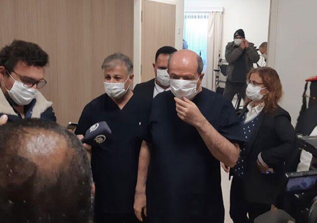 Cumhurbaşkanı Ersin Tatar, Başbakan Ersan Saner ve Sağlık Bakanı Dr. Ali Pilli Türkiye'den gönderilen Sinovac aşının ilk dozunu yaptırdı.