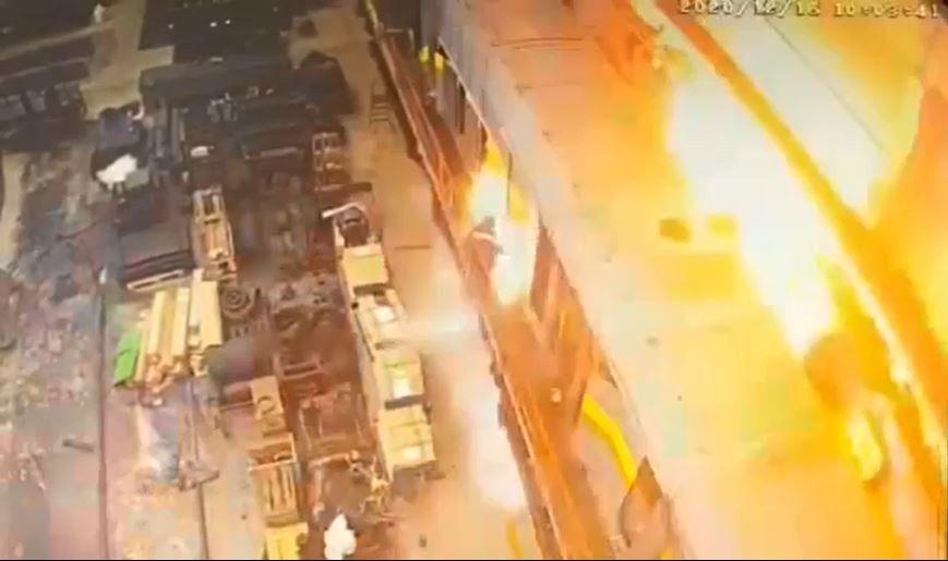 Rusya'da tamiri devam eden bir tren vagonundaki patlamada bir işçi hayatını kaybederken, bir işçi de yaralandı.
