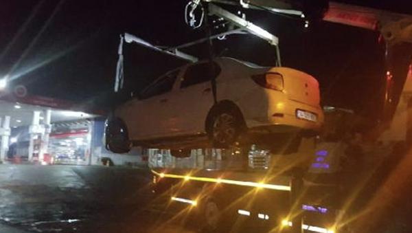 Zonguldak'ın Ereğli ilçesinde, polisin 'dur' ihtarına uymayarak kaçan sürücünün 2.91 promil alkollü olduğu tespit edildi. 7'nci kez alkollü araç kullanırken yakalanan sürücünün ehliyetine 2046 yılına kadar el konuldu. - Sputnik Türkiye