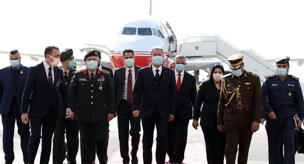 Milli Savunma Bakanı Hulusi Akar, beraberinde Genelkurmay Başkanı Org. Yaşar Güler ile Irak'ta