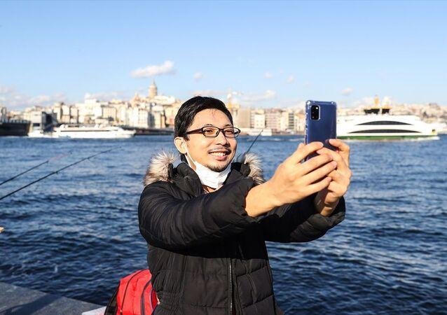 Japon Youtuber Yoshi Enomoto