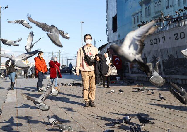 Japon YouTuber Enomoto: İstanbul'un Boğaz havası çok güzel. Feribotla Asya Avrupa arasında gitmek, martılara simit atmak falan çok güzel