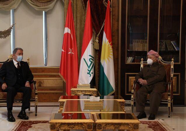 Hulusi Akar- eski IKBY Başkanı ve KDP lideri Mesud Barzani