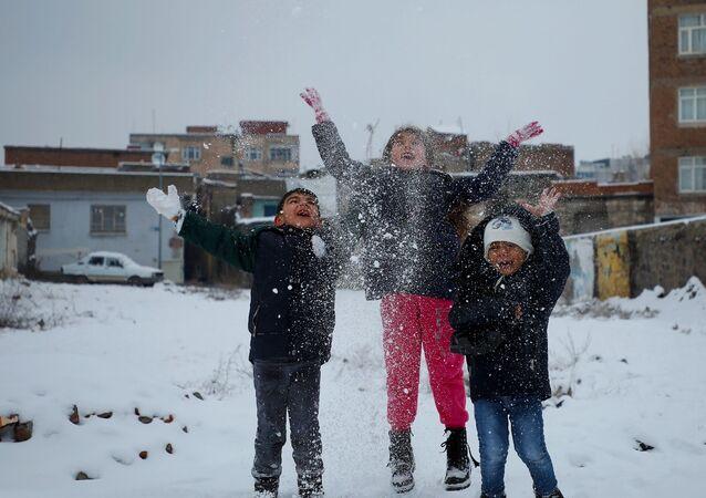 Diyarbakır - kar - çocuk