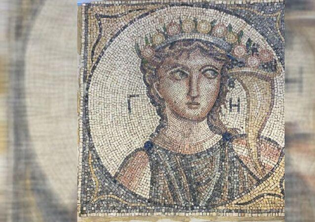 Roma dönemine ait 2 bin yıllık mozaik