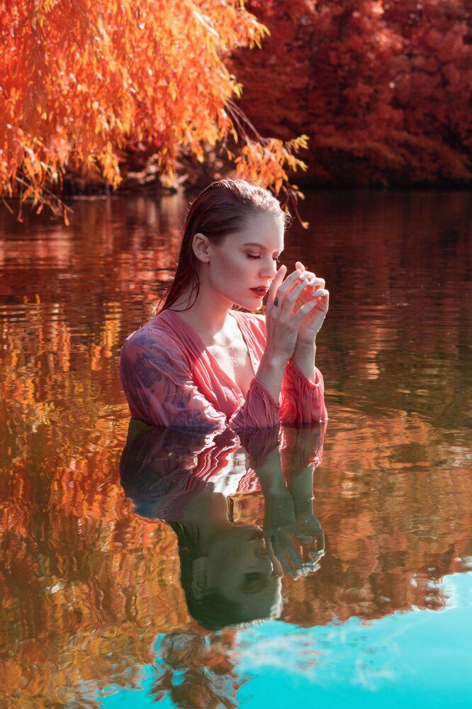 Yarışmanın Portre kategorisinde dereceye girenlerden fotoğrafçı Sean P Jones'in Su Ruhu başlıklı fotoğrafı