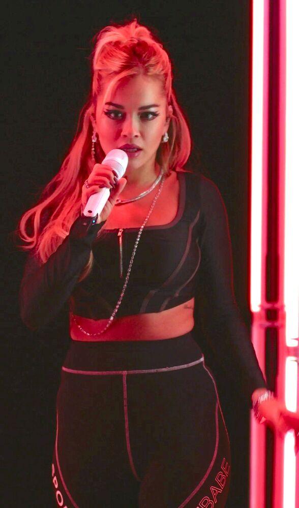 ABD'li şarkıcı Rita Ora