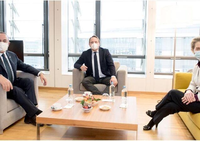 AB Komisyonu Başkanı von der Leyen, Bakan Çavuşoğlu