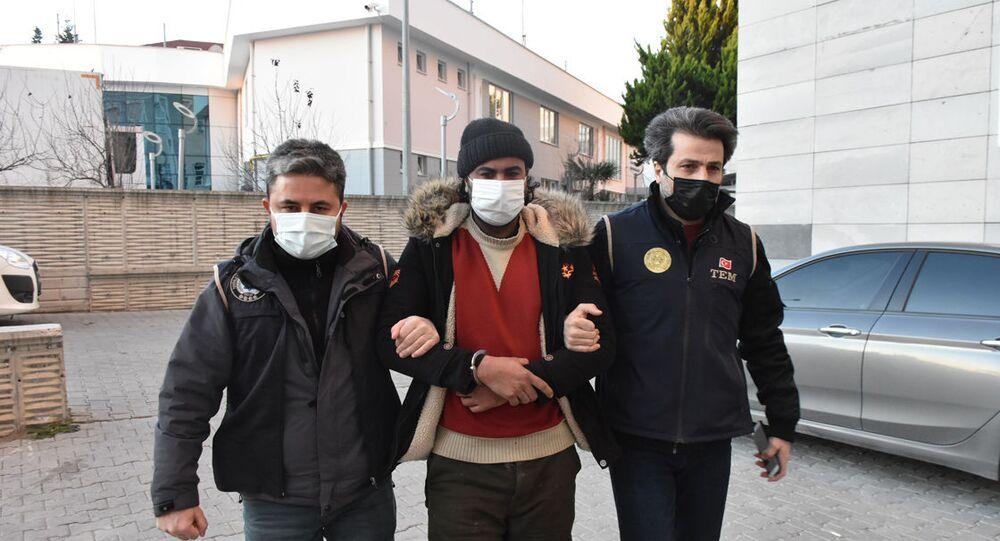 Samsun'da, terör örgütü IŞİD'e yönelik operasyonda yabancı uyruklu 14 zanlı gözaltına alındı.
