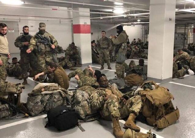 ABD'de otoparkta uyumak zorunda kalan Ulusal Muhafızlar
