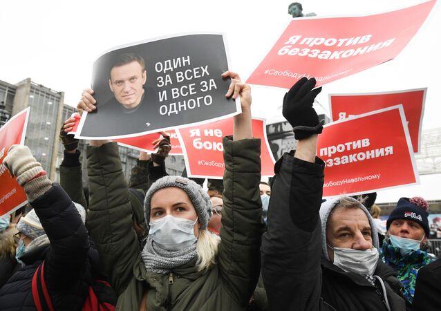 Moskova'da muhalif Aleksey Navalnıy'ın serbest bırakılması için düzenlenen izinsiz gösteriler