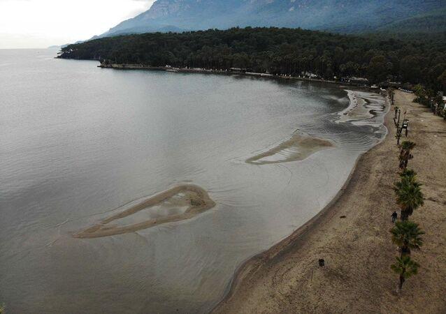 Muğla'da deniz suyunun çekilmesi, Akyaka sahili