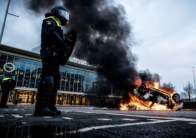 Hollanda protesto