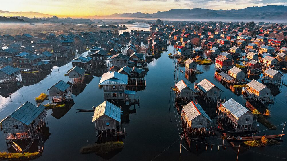 Yapı Sanatı 2020 Yarışmasının finalistlerinden Mnyanmar'lı fotoğrafçı  Aung Chan Thar'ın 'İnle Gölü'ndeki Evler' başlıklı fotoğrafı
