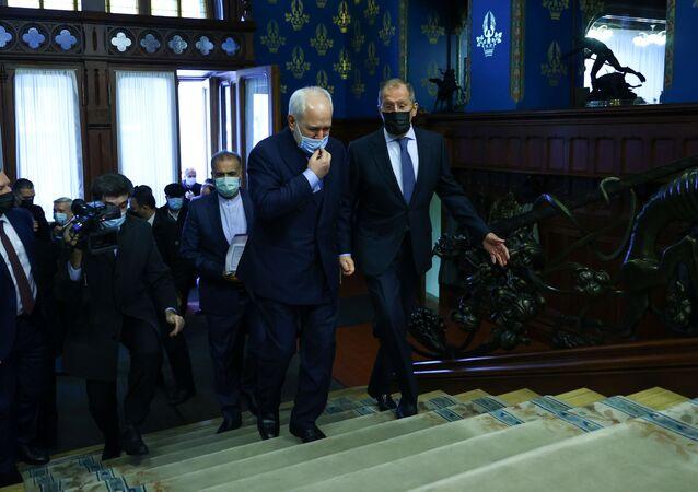 İran Dışişleri Bakanı Muhammed CevadZarif, Rusya'nın başkenti Moskova'da Rus mevkidaşı Sergey Lavrov ile düzenlediği ortak basın toplantısında
