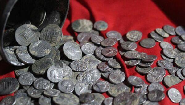 Kütahya'da bulunan 651 gümüş sikke Anadolu Medeniyetleri Müzesi'nde sergilenmeye başlandı - Sputnik Türkiye