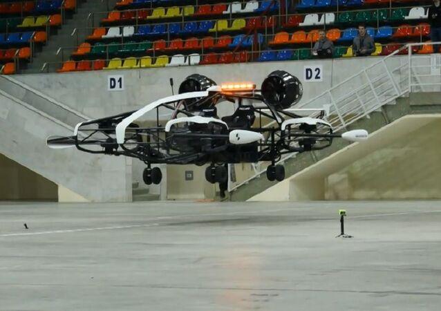 Moskova'da Rusya'nın ilk uçan taksisinin prototipi gösterildi