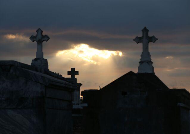 ABD- Mezarlık