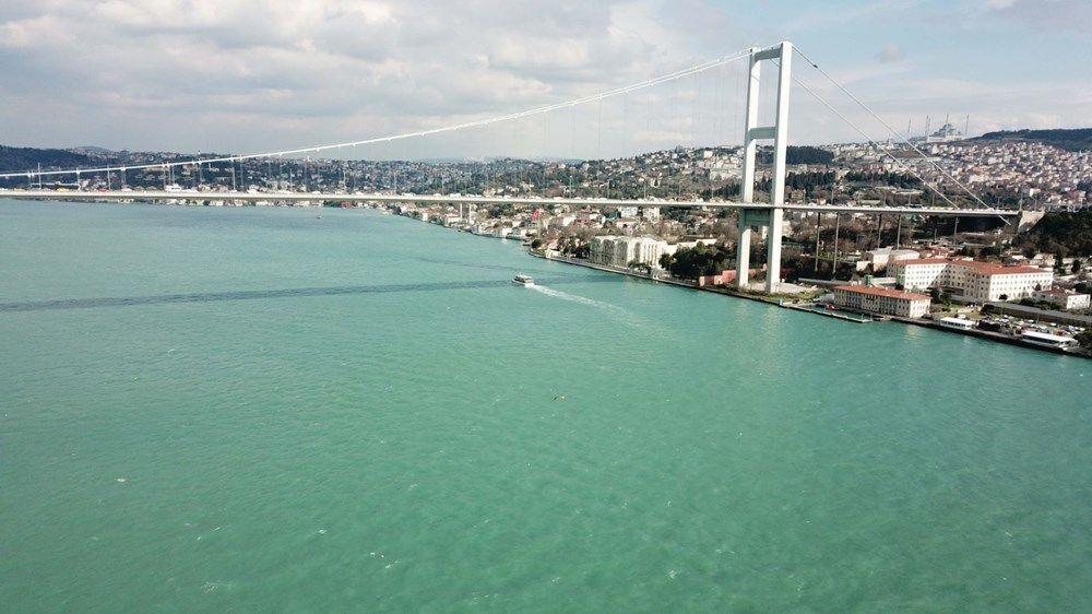 İstanbul'da etkili olan rüzgâr ve yağışın ardından Boğaz'ın rengi değişti. Turkuaz rengine bürünen deniz doyumsuz görüntüler oluşturdu. Boğaz'daki bu renk değişimiyle ilgili İstanbul Teknik Üniversitesi Meteoroloji Mühendisliği Öğretim Üyesi Prof. Dr. Hüseyin Toros, açıklamalarda bulundu.