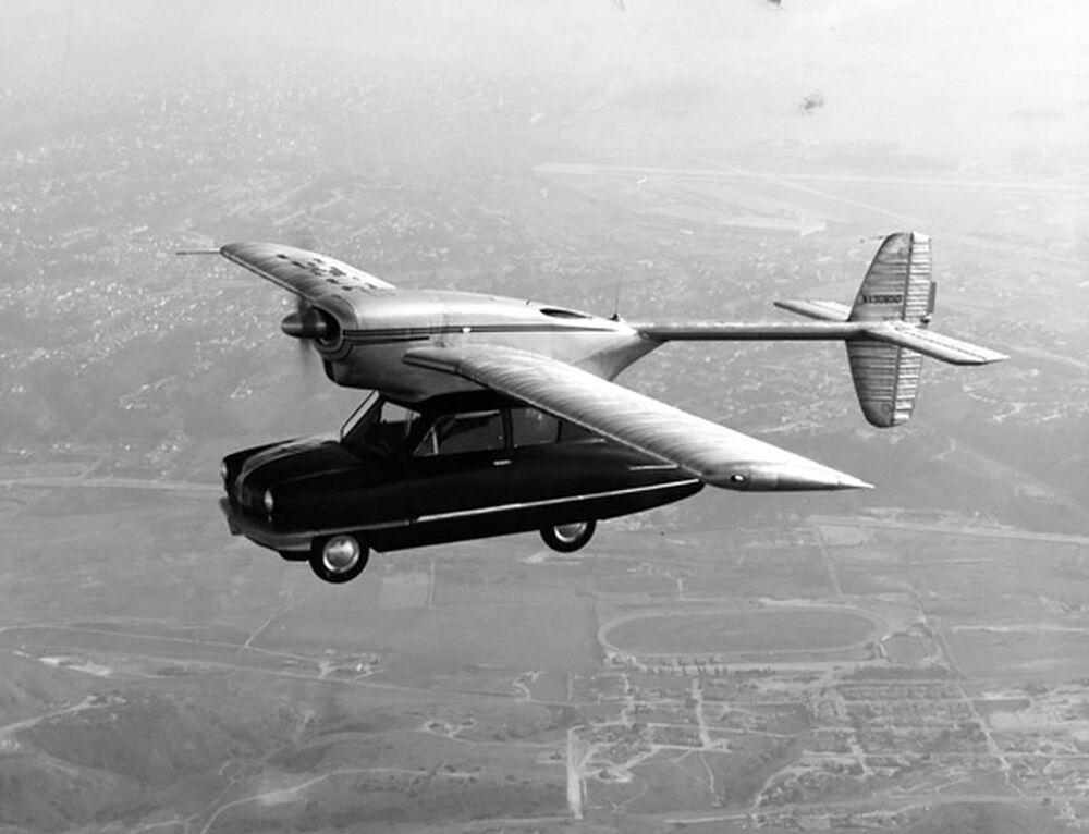 Bu arşiv fotoğrafında Convair 118 modeli uçan otomobil prototipi uçuş yaparken görüntülendi, 1947