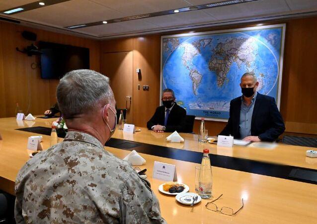 İsrail Savunma Bakanı Gantz, CENTCOM Komutanı McKenzie ile görüştü