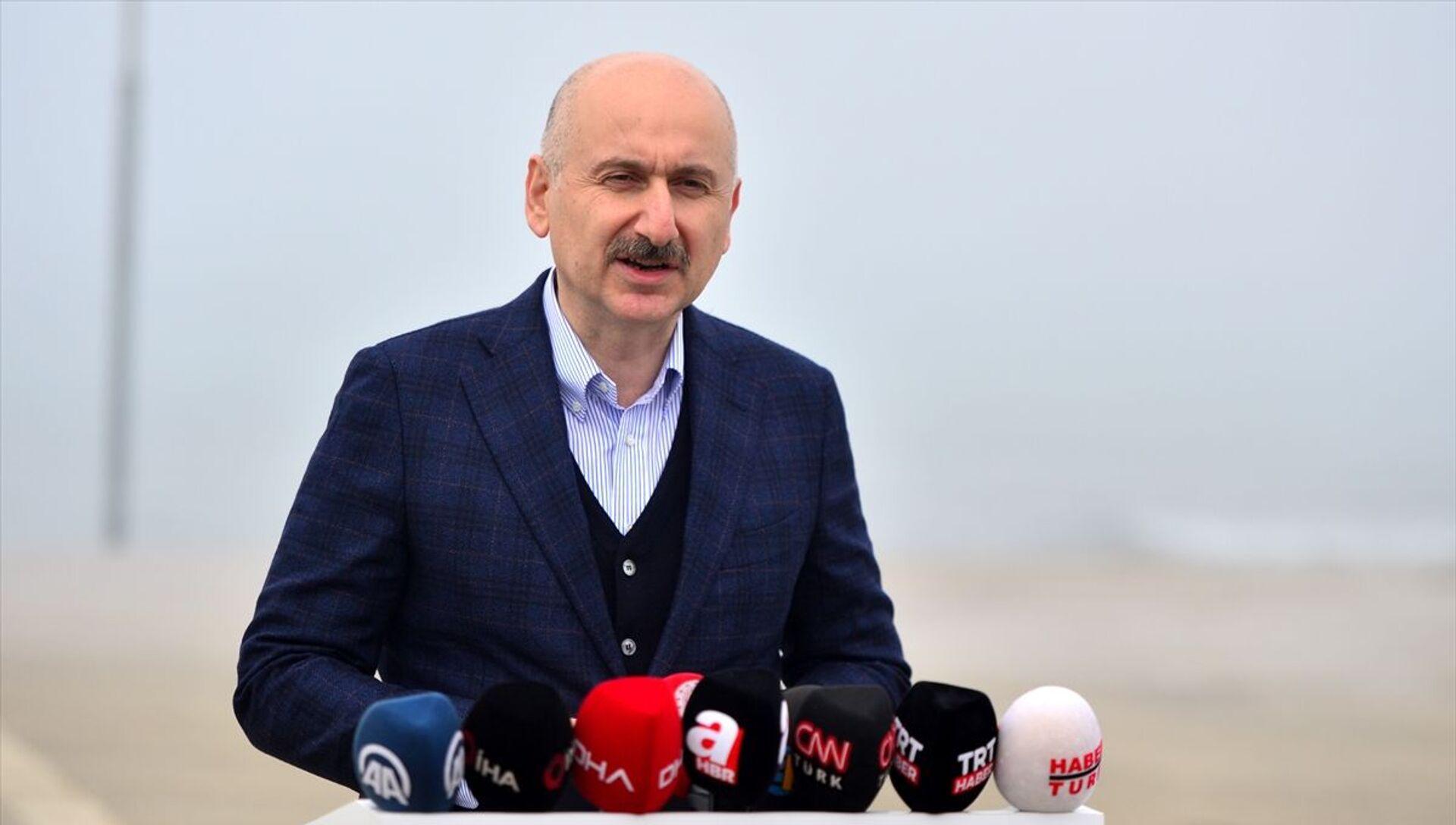 Ulaştırma ve Altyapı Bakanı Adil Karaismailoğlu  - Sputnik Türkiye, 1920, 29.04.2021