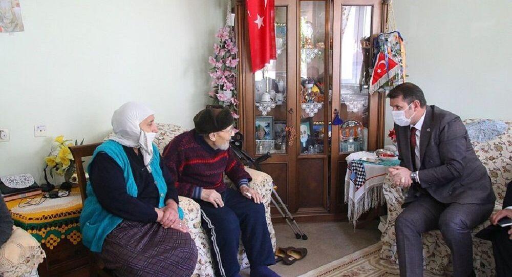 5 milyon liralık birikimini camiye bağışlayan Feride-Feyzullah Muntazam çifti