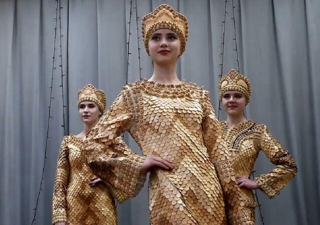 Sibirya'da sedir çamından kıyafetler yapıyorlar