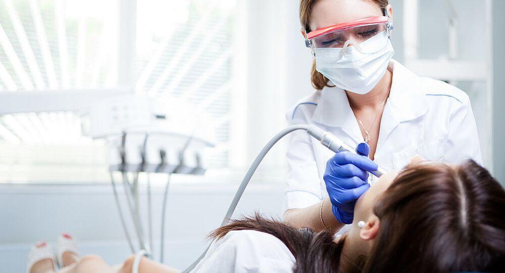 Diş muayenesi - dişçi