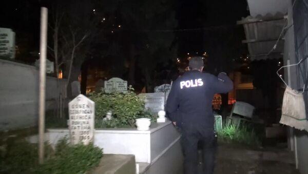 Bursa, Alacahırka mezarlığı, polis - Sputnik Türkiye