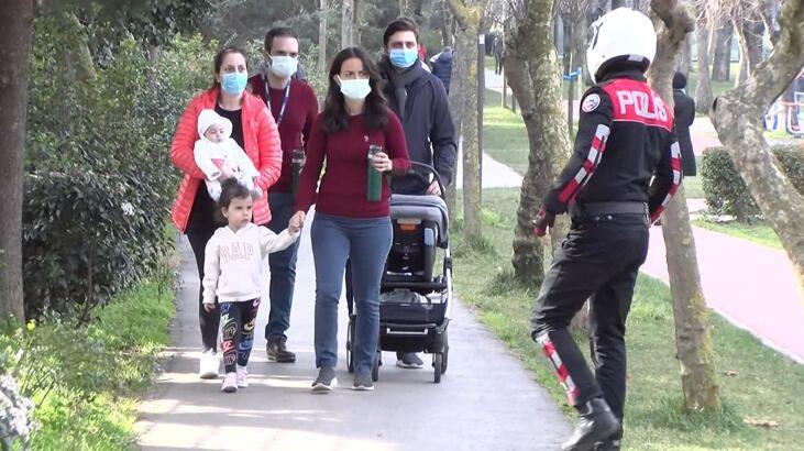 Kadıköy'de bulunan parklarda denetim yapıldı. Yasak olmasına rağmen parkta vakit geçirenlere cezai işlem uygulandı.
