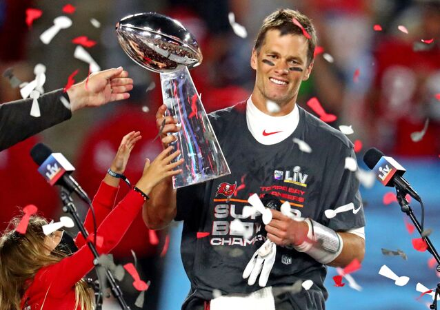 ABD'nin en büyük spor organizasyonlarından Amerikan Futbolu Ligi'nin (NFL) şampiyonluk mücadelesi Super Bowl'da Tampa Bay Buccaneers, 18 yıl aradan sonra zafere ulaştı.