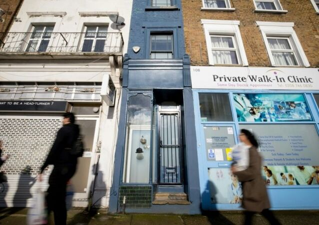 Londra'nın en dar evi satışa çıkarıldı.