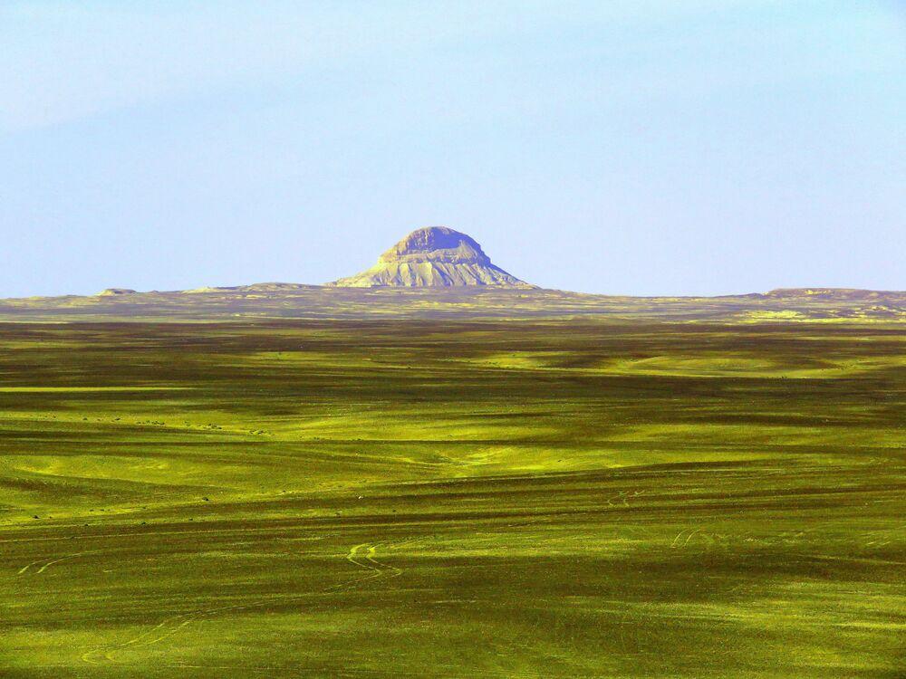 Wiki Anıtları Seviyor 2020 yarışmasının kazananlarından Ürdün'ün Güney Badia bölgesindeki Jabal Tawil Shahaq Dağı görüntüsü