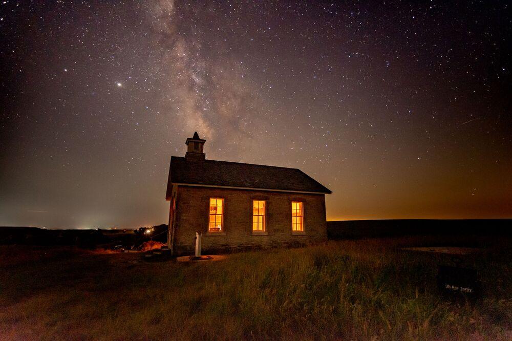 Wiki Anıtları Seviyor 2020 yarışmasının kazananlarından ABD'li fotoğrafçı Steve Ferro'nun  görüntülediği Kansas eyaletindeki Lower Fox Creek Okulu binası