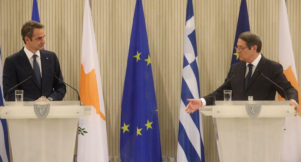 Yunanistan Başbakanı Kiryakos Miçotakis, Güney Kıbrıs'a yaptığı ziyarette Cumhurbaşkanı Nikos Anastasiadis ile