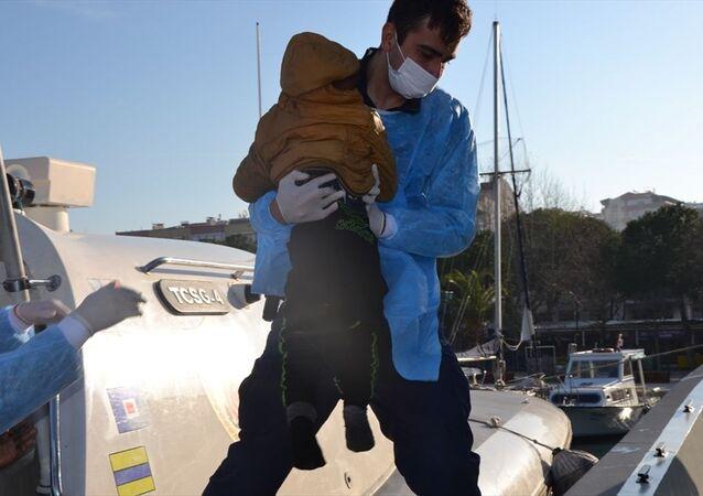İzmir`de 123 sığınmacı kurtarıldı