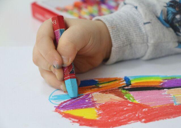 Çocukların kullandığı boyalarda kanser tehlikesi