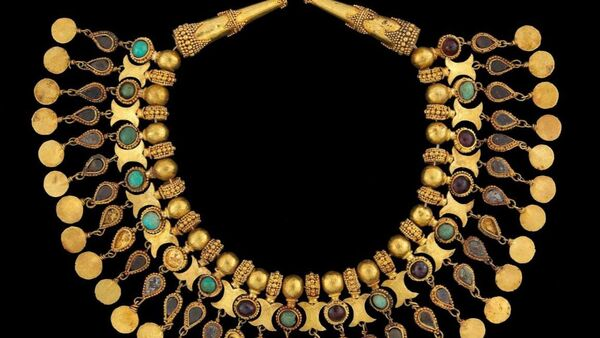 Dünyanın sayılı hazinelerinden Baktriya hazinesi Afganistan Cumhurbaşkanlığı Sarayı'nda. - Sputnik Türkiye