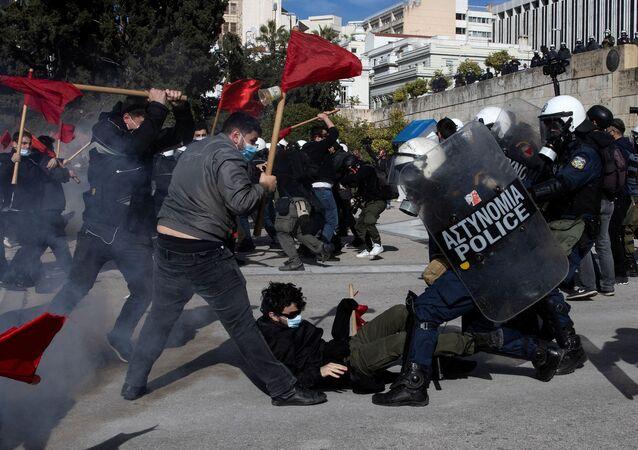 Yunanistan - öğrenci protestoları