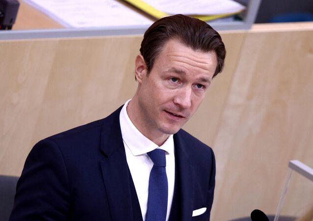 GernotBlümel (Bluemel) parlamentoda bütçe konuşması yaparken, Viyana, Avusturya