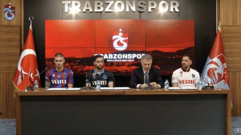 Trabzonspor Başkanı Ahmet Ağaoğlu; Berat Özdemir, Anastasios Bakasetas, Yunus Mallı imza töreni