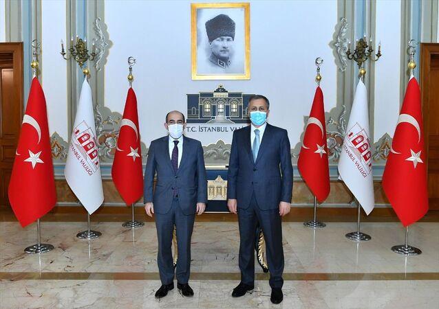 Boğaziçi Üniversitesi Rektörü Prof. Dr. Melih Bulu (solda), İstanbul Valisi Ali Yerlikaya'yı (sağda) makamında ziyaret etti.